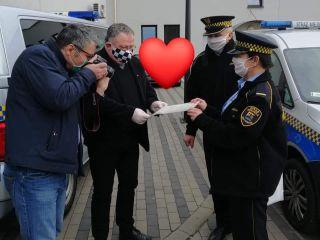 Maseczki i przyłbice dla katowickiej  Straży Miejskiej od Ekumenicznej Fundacji Bethlehem