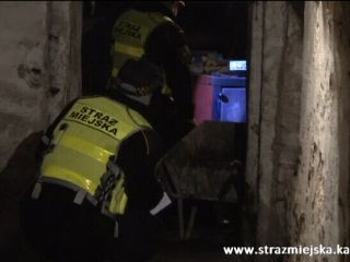 Straż miejska kontroluje paleniska - służba w czasie epidemii